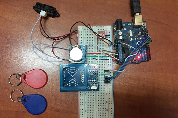 image19 smart automatic pet feeder with arduino uno device plus Metal Automatic Dog Feeder at gsmportal.co