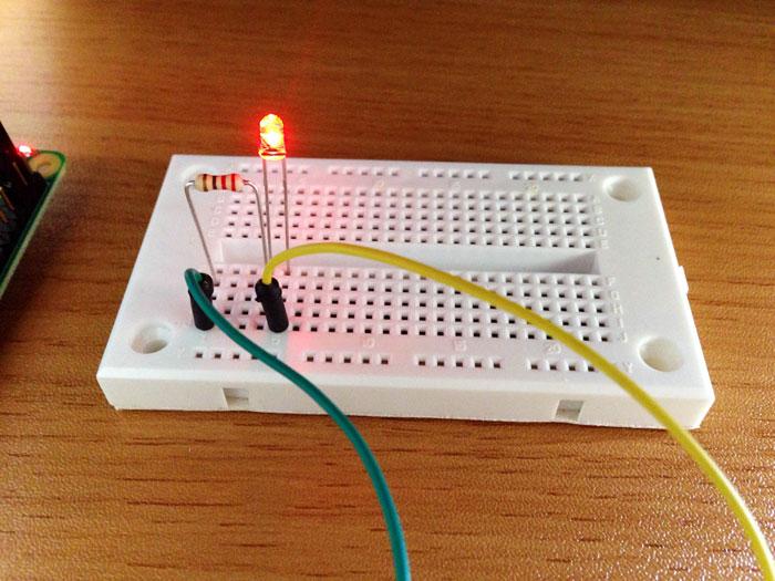 Breadboard resistor led light up