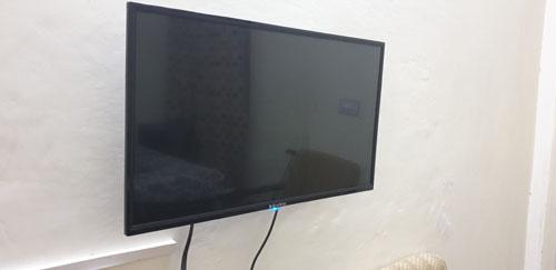 HDMI-compatible display