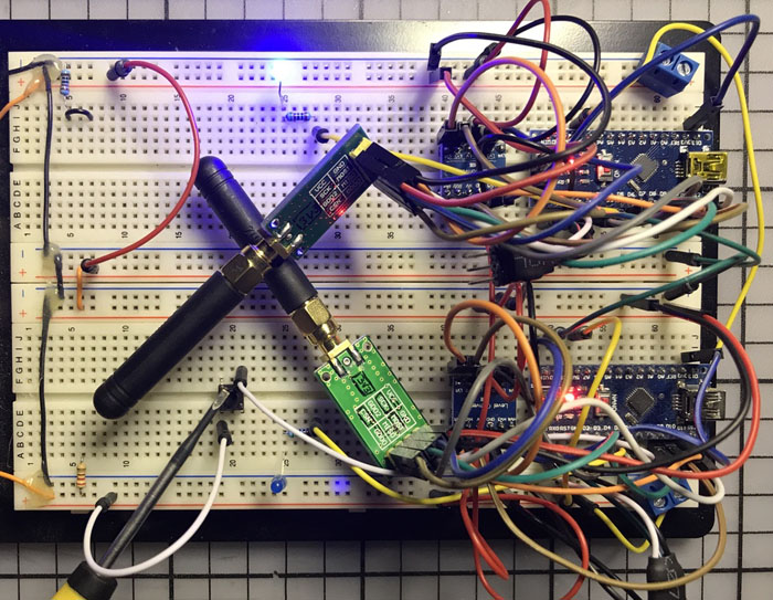 Arduinos & CC1101s on breadboard